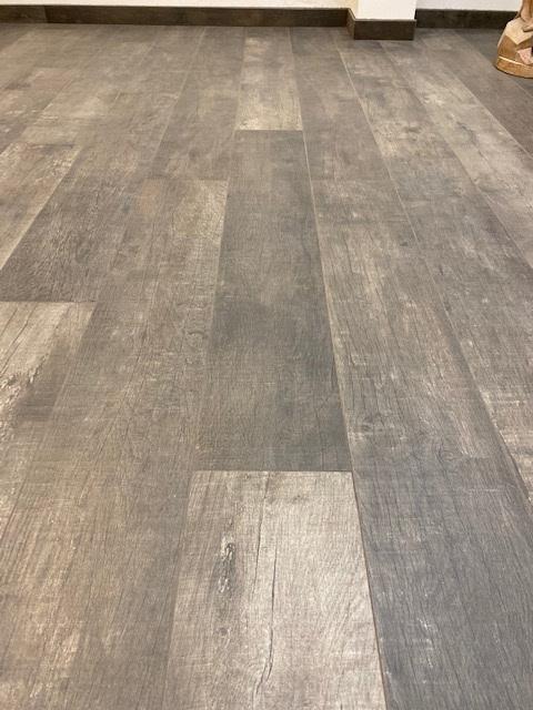 Maranello amber dark wood 3